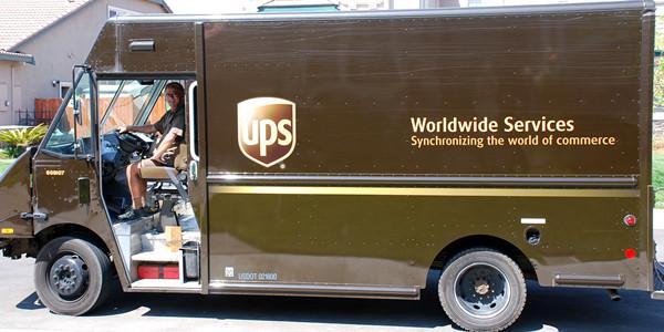 ¿Cómo hizo UPS para ahorrar millones de dólares en su control de flota?